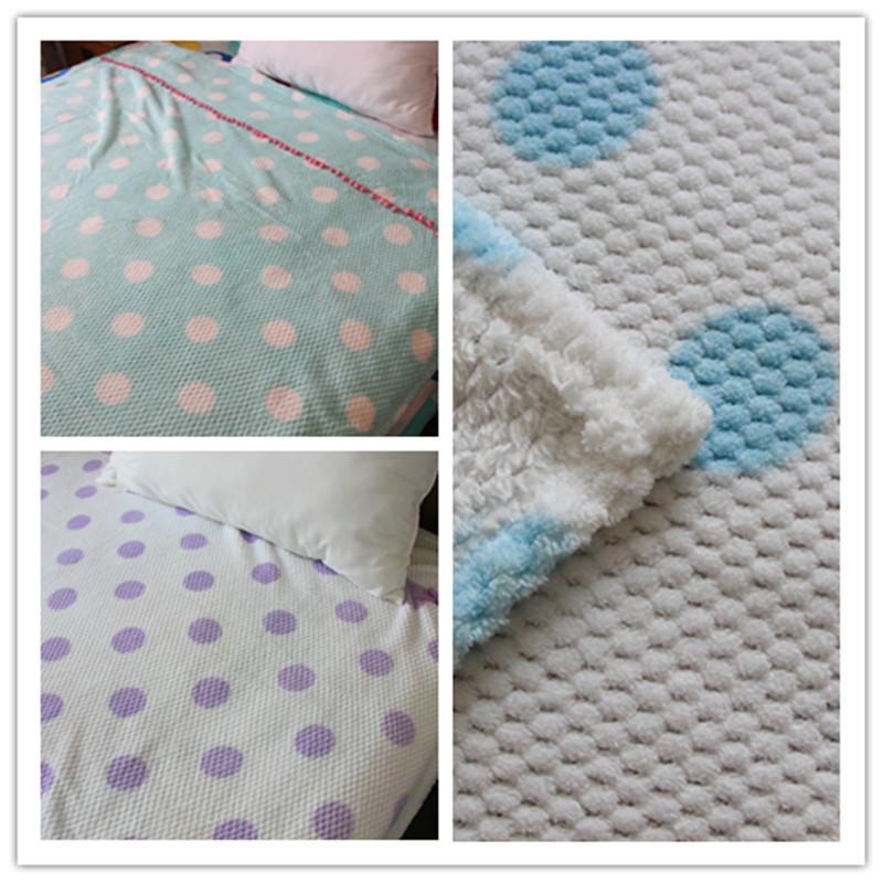 Super soft coral fleece air blanket 140 190 polka dot(China (Mainland))