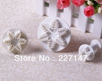 Free Shipping Cake Decorating Tools 3pcs Snowflake Cookies Fondant Sugarcraft Cake decorator Mold Plunger Cutters tool
