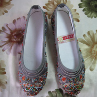 free shipping 2013 summer handmade beaded bridal shoes  Chinese Beijing Embroidered women flat cloth shoes 104