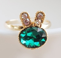 free shipping green crystal inset rabbit shape finger ring Min-order is $6 for delivery
