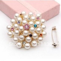 Wholesale Bride Jewelry Ornament Tone Crystal Cream Pearl Brooch brief brooch with Pin Can be to lock the scarf free shipping