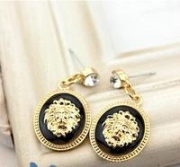 Free shipping (MOQ 10$ Mix Order)Europea Vintage Lion Head Rihanna Fashion Earring Drop Ear Alloy wholesale