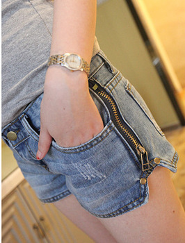 Free shipping,2013 new arrival,women's printer skinny pants/Light blue Side zipper loose big yards was thin waist denim shorts