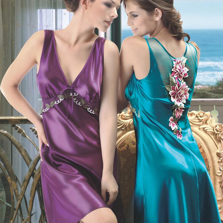 2015 summer women fashion silk mini pajamas,ladies' flower embroidery lace nightgown,sexy nightgowns sleepshirts,plus size XXXL(China (Mainland))