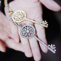 Exquisite t sparkling elegant classic cutout full rhinestone key long necklace