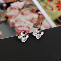 S925 Women pure silver four leaf clover little flower fashion earring anti-allergic stud earring