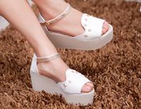 2014 wedges rivet fashion platform open toe platform sandals shoe skull casual sandals