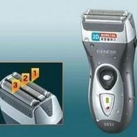 hot sale men Rscw-5031 rechargeable 3D washable float 3 head electric shaver razor universal 220V mens shaving free shipping