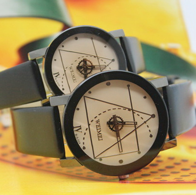 Hot-selling lovers watch gear lovers watch popular student table lovers watch(China (Mainland))