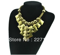 Wholesale Free Shipping (Mix Orders $15)Retro Temperament Gold Plated Square Grape Pendant Choker Exaggerated Statement Necklace