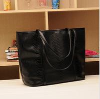 2014 Women's Handbag New Winter Female Big Black Crocodile Pattern Retro Messenger Shoulder Bag 201306WB027