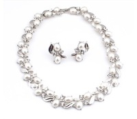 Top Quality Silver Plated Clear Diamante and Cream Pearl Wedding Bridal Necklace and Earrings Jewelry Set