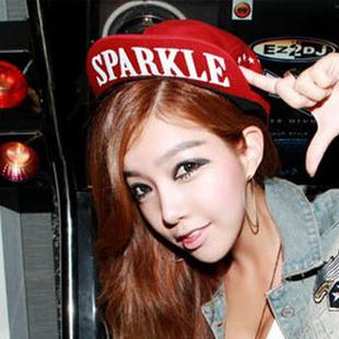 Korean tide over the hat Harajuku wind hip-hop flat hat dance baseball hat turned brim cap (SPARKLE red / Black)