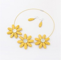 SM682 New Colorful Cool Summer Sunflower Korea choker necklace /stud earrings set