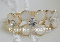 New Coming 2013 Delicate Enamel Flower Ring with Sparkling Rhinestone free shipping