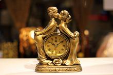 popular desk clock