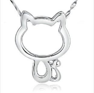 Z-067  925 silver Sleek little cat pendant Wholesale fashion women