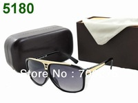 Free Shipping New sunglasses Sun Glasses Black White Red Brown Grey New Design with Box tag clean cloth