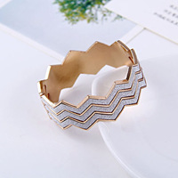Wholesale European and American style Hot jewelry Frosted Simple Zigzag Sawtooth bracelet B45