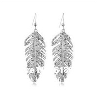 Free Shipping 582ab women's sivler plated  feather drop earrings made with Austrian crystal charm free shipping