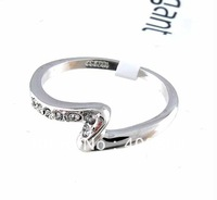 Women ring. Size:(6-9).High quality alloy plating 18 KGP white gold ring, fashion artificial diamond ring. Free shipping.