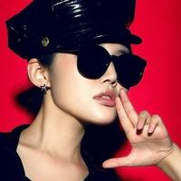 Free Shipping 2013 New Fashion Designer Brand  Sunglasses Karen Walk Super Duper Strength 2 Colors Novelty Style Retail