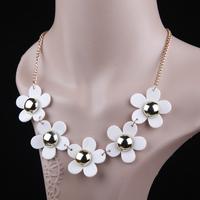 Women Lady Retro Short Paragraph Daisy Flower Wild Clavicle Chain Necklace