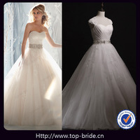 41201 Designer Romantic Backless Lace Wedding Dresses 2013
