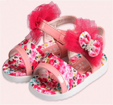 2013 children shoes sandals breathable slip-resistant multicolour lace flower princess toddler shoes, floral platform sneakers(China (Mainland))
