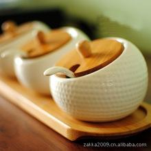 Free shippingZakka New 2013 Manufacturers selling durian-shaped ceramic sauce pot Salt and pepper bottle  kitchen storage Bottle(China (Mainland))