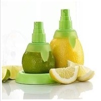 2pcs/set Lemon Juice Sprayer Citrus Spray Mini Squeezer Hand Juicer Kitchen Tools Set Creative Gifts Free shipping   0058