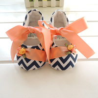 Free shipping Beautiful New hot sale Baby Shoes Girls Toddler Soft Sole with Flowers Baby shoes w1012 wholesale 3 pairs / lot