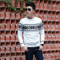 2013 fall and winter clothes men's Christmas snowflake Slim comfortable cotton round neck pullover sweater warm wild fashion