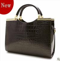 Urged 2013 women's handbag crocodile pattern bright japanned leather women's handbag one shoulder cross-body female