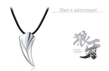 Beauty Health Wolf Tooth Spike Personality Necklaces Pendants Men Necklace Accessories for Friends Birthday Jewelry Gift