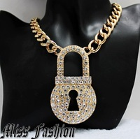 11.11 New Arrival Gold Tone Chunky Chain Clear Rhinestoned PadLock Lock Pendant Necklace
