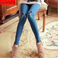 2013 autumn and winter knee three-dimensional embroidery kitten plus velvet thickening legging skinny pants female a