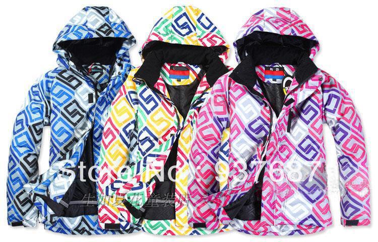 Guess Womens Puffer Coats