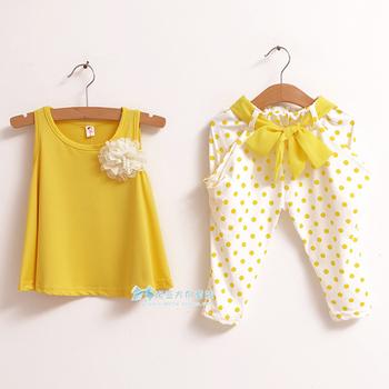 бесплатная доставка 2013 новой детской одежды летний комплект ребенок цветок женский ...