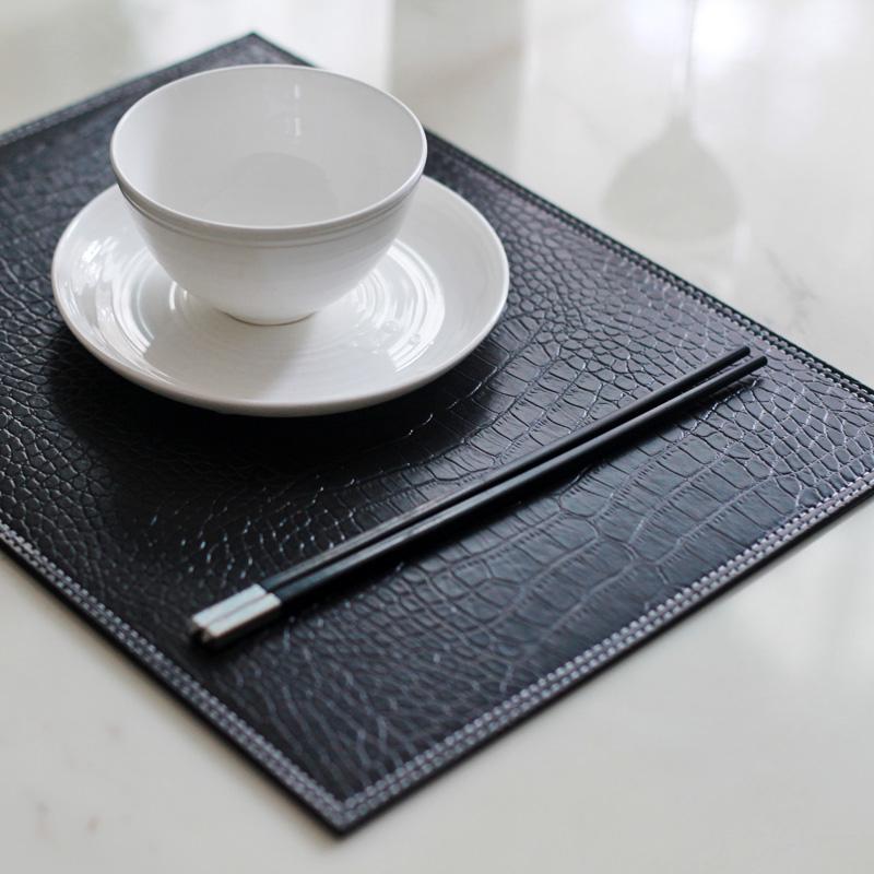 Shop popular faux leather placemats from china aliexpress - Set de table noir ...