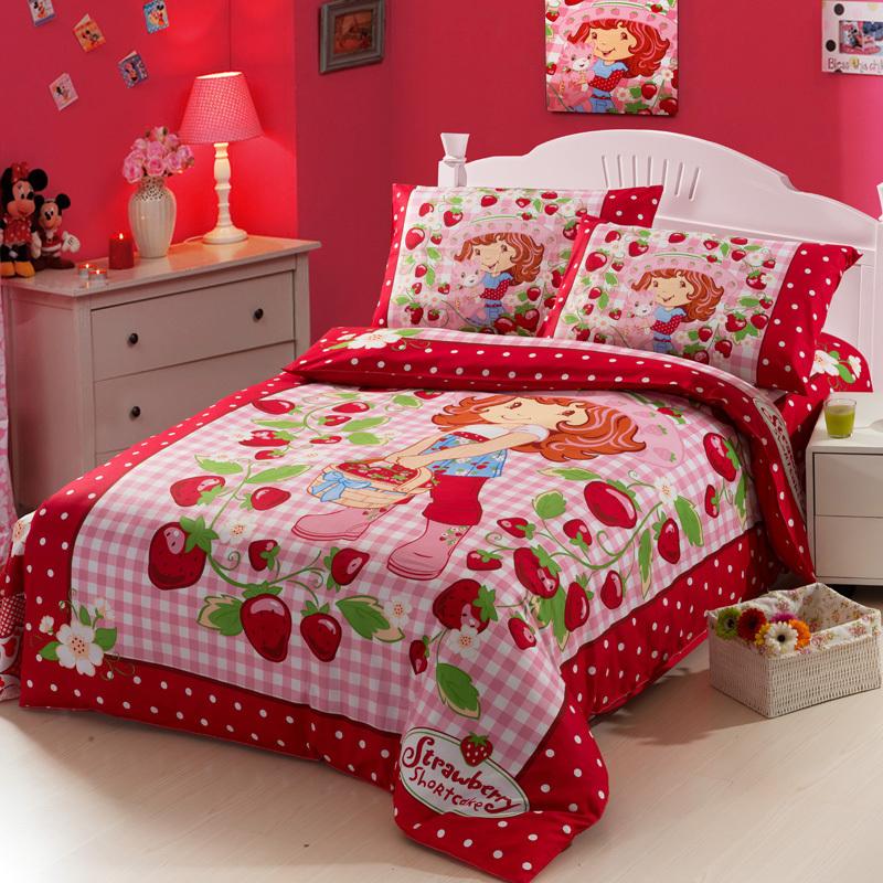 Strawberry Shortcake Queen Size Bedding