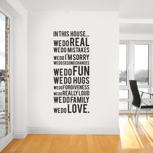 Free shipping in this house we do family quotes vinyl for Decoration quotes
