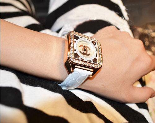 Часы Chanel, новинки и классика в интернет-магазине