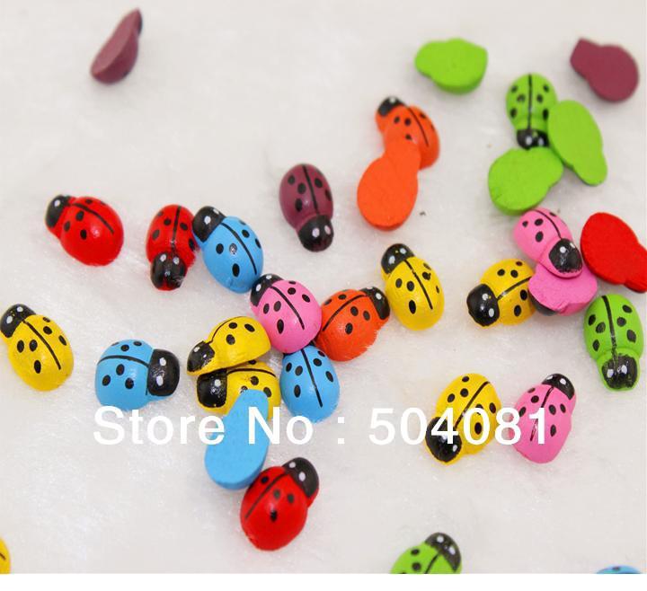 7 cores escolher 400pcs / lot, 13x9mm , de madeira coloridos Besouros adesivos joaninha, Natal , Páscoa de decoração Home , Kids toys.Promotion barato(China (Mainland))