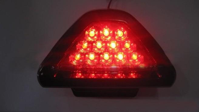 12 led triangle voiture conduit stop arri re de frein arri re 12v lumi re stroboscopique rouge. Black Bedroom Furniture Sets. Home Design Ideas