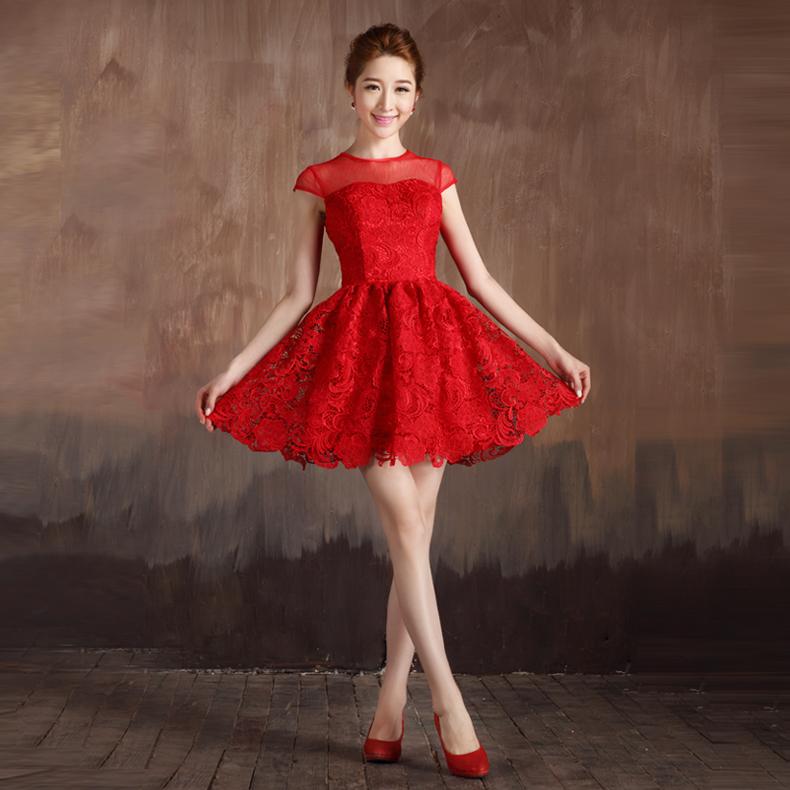 Вечерние короткое красное платье