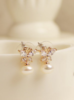 Butterfly in love pearl series delicate sparkling diamond stud earring high quality earring