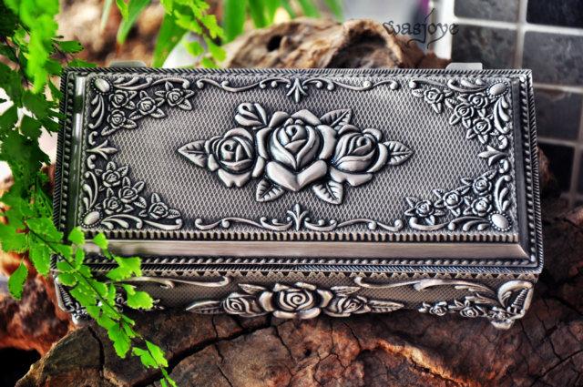 "Free shipping big size 7"" Metal jewellery box/ trinket box/hot-sellig gift box/ Pewter plated rose design jewelery box(China (Mainland))"