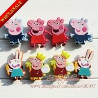 40PCS/SET Cute Lovely  Peppa Pigs  Kids PVC Shoe Charms/Shoe Decoration/Shoe Ornaments for Bracelets/Wristband  Kids Party Favor