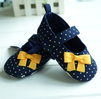 Free shipping New 2014 Cute comfortable soft sole floral toddler Baby Girls Footwear First Walkers Shoes girls first walkers